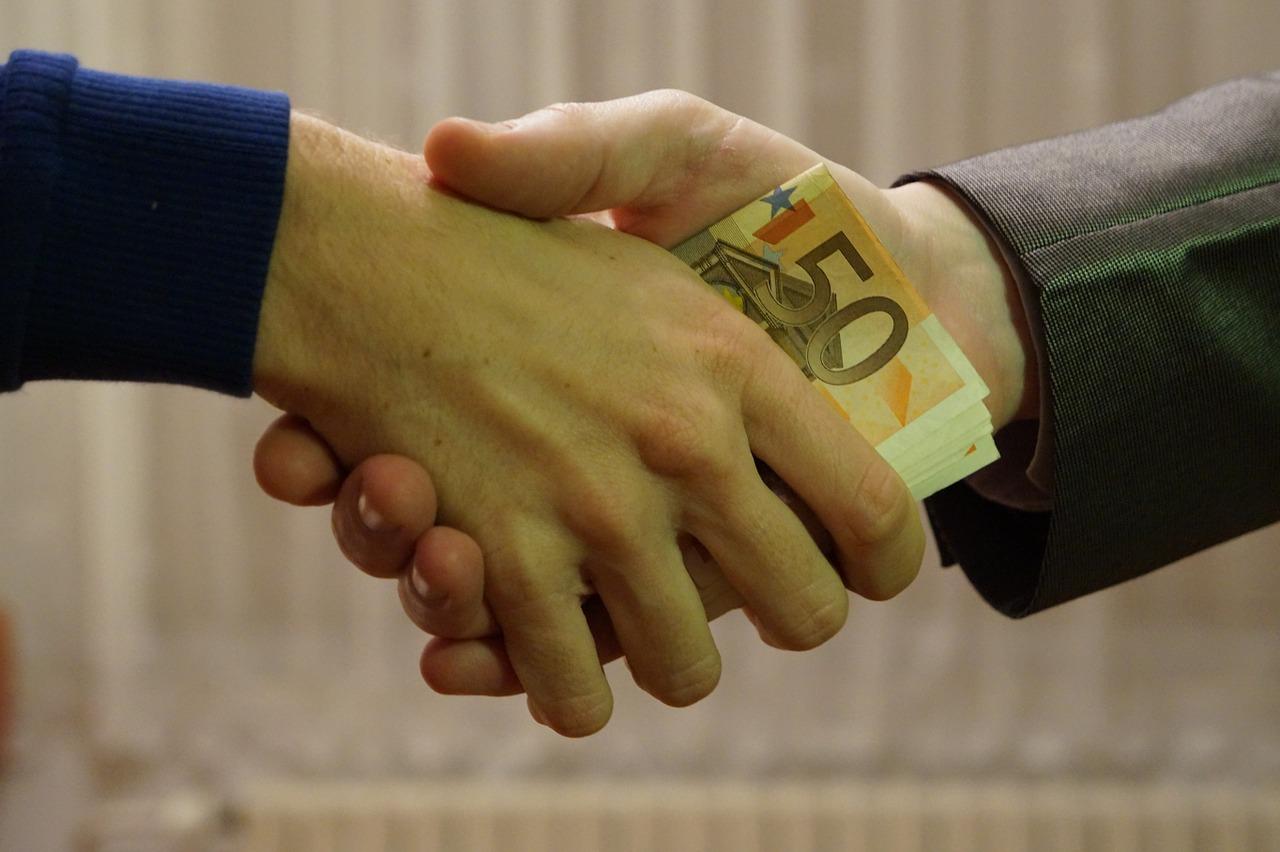 euro, bank notes, handshake-1144835.jpg